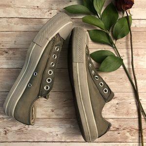 Converse gray slip on size 4.5 men's 6.5 women's